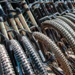 Billede af mountainbikes med forskellige dæk på